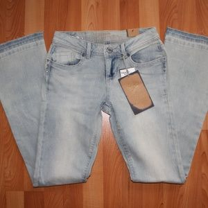 NWT Hippie Laundry Sz 27 Raw Hem Boot cut Jeans